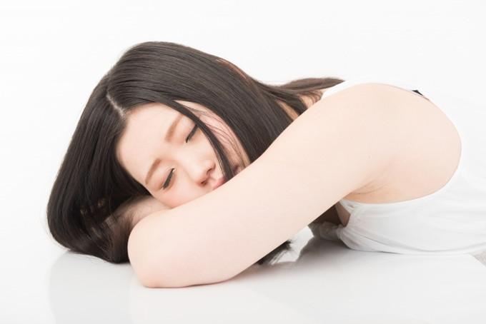 疲れて居眠り