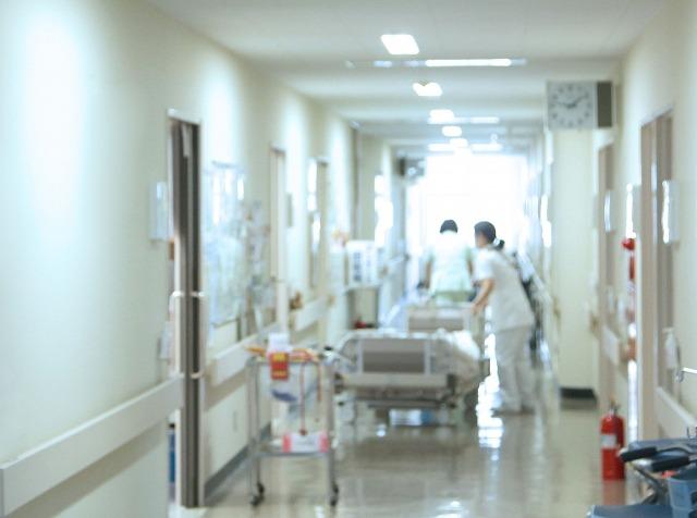 病院でのケアの仕事の辛さを伝える